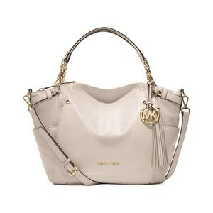 Michael Kors || leather Devon vanilla shoulder bag